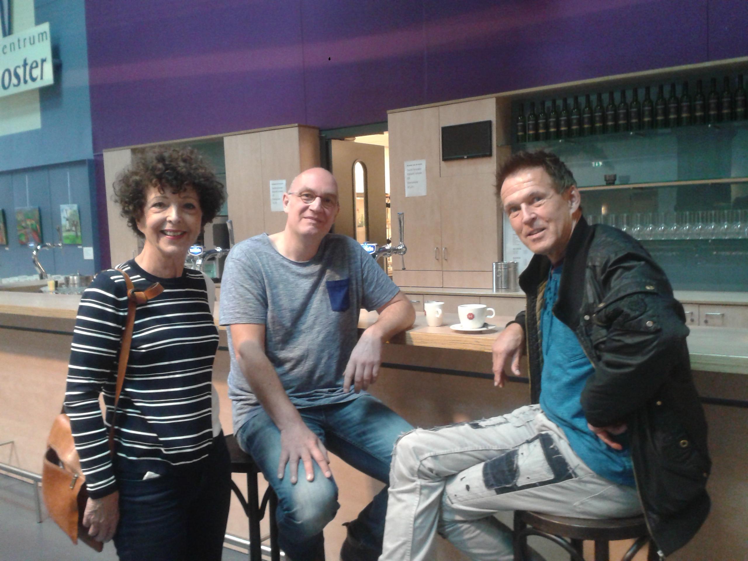 Annette met Paul en Arno voorafgaand aan de voorstelling.